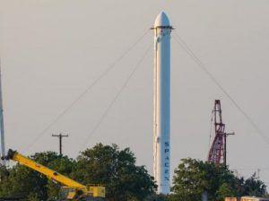 Die Thaicom-8 Erststufe wird als Falcon Heavy Booster wiederverwendet