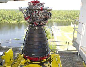 Das RS-25 ist ein großes Triebwerk für das SLS